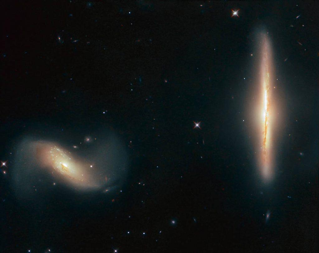 Hubble detecta un dúo dinámico galáctico.