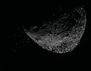 La misión OSIRIS-REx de la NASA explica los misteriosos eventos de partículas de Bennu.