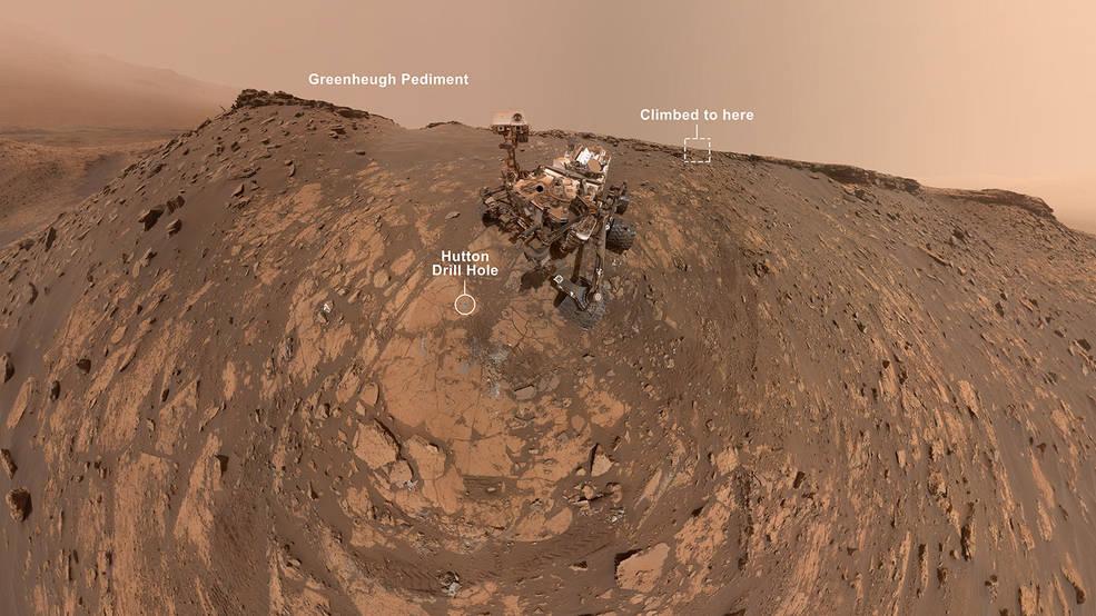 El Rover en Marte Curiosity de la NASA toma un nuevo selfie antes de aumentar su récord.