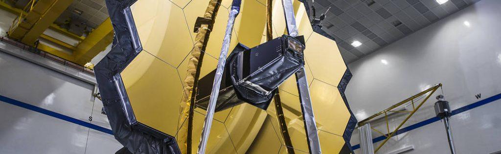 La implementación del espejo completo del telescopio espacial James Webb de la NASA fue un éxito.