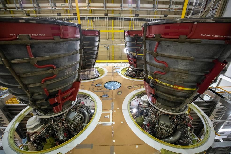 La NASA se compromete con las futuras misiones de Artemis con más motores de cohetes SLS