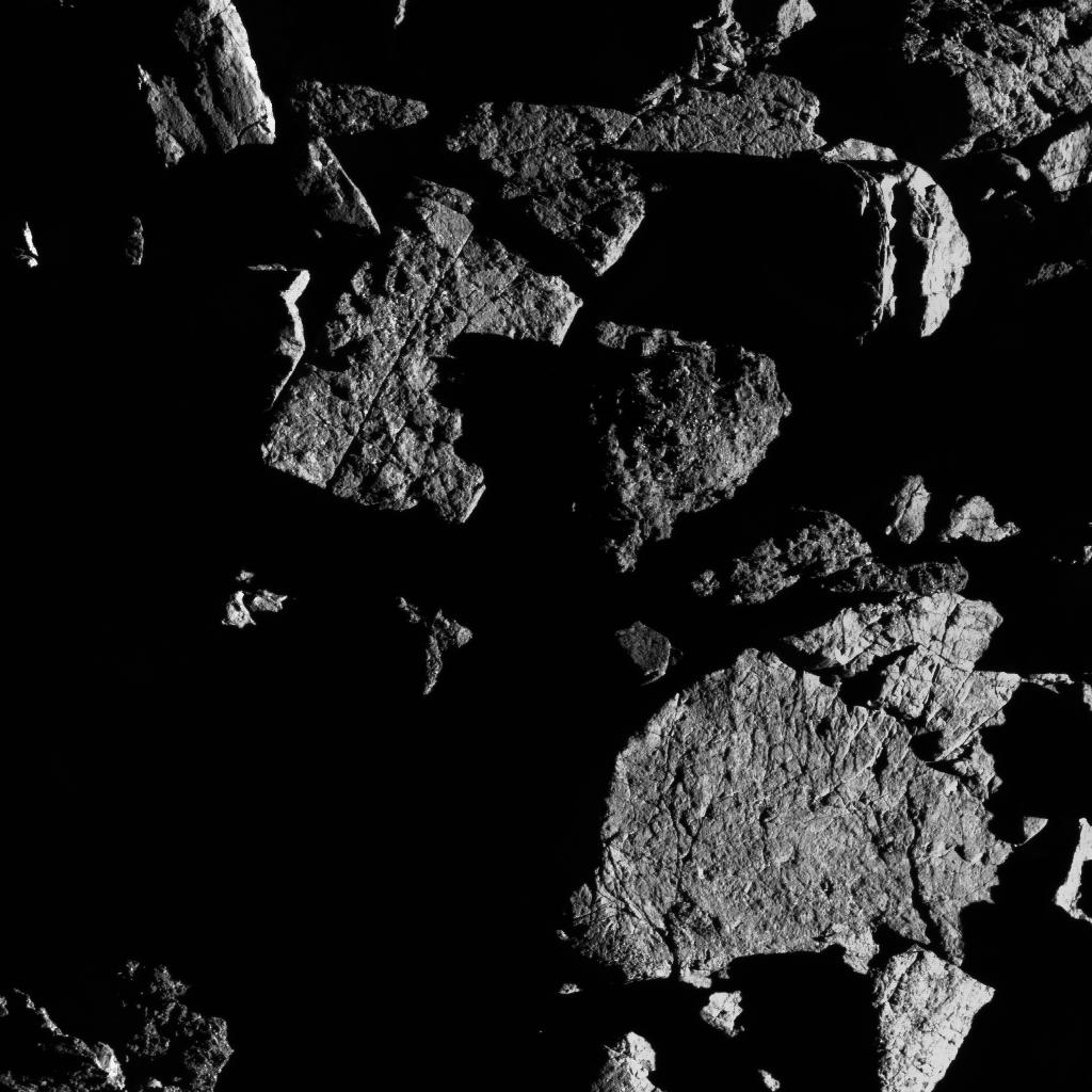OSIRIS-REx de la NASA descubre que la luz solar puede romper rocas en el asteroide Bennu.