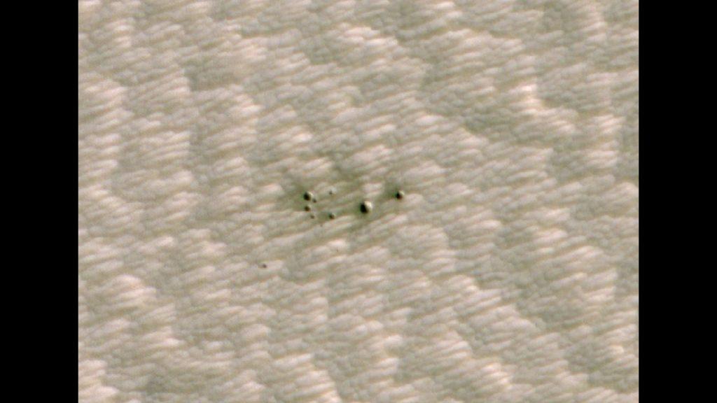La IA está ayudando a los científicos a descubrir cráteres recientes en Marte.